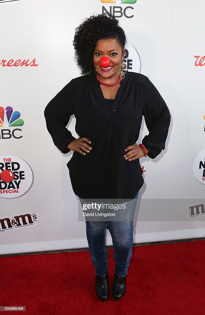 Actress Yvette Nicole Brown attends the Red Nose Day Special on NBC at the Alfred Hitchcock Theater at Alfred Hitchcock Theater at Universal Studios on May 26, 2016 in Universal City, California.