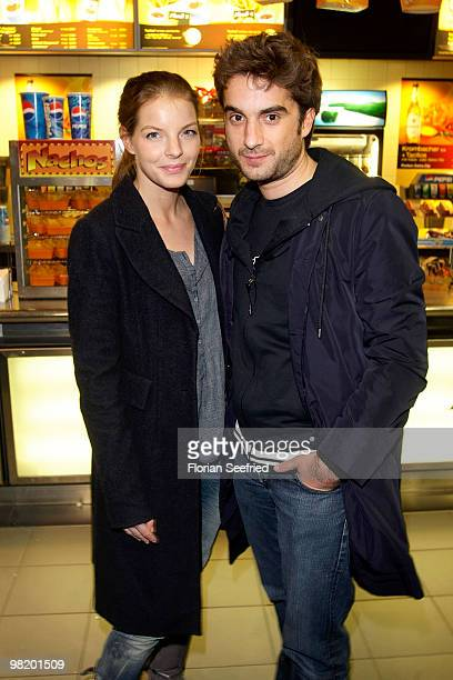 Actress Yvonne Catterfeld and actor Oliver Wnuk attend the premiere of 'Waffenstillstand' at cinema Kulturbrauerei on April 1 2010 in Berlin Germany