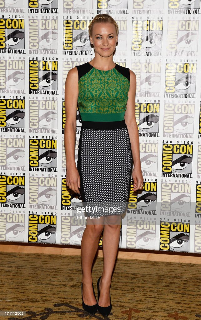 Actress <a gi-track='captionPersonalityLinkClicked' href=/galleries/search?phrase=Yvonne+Strahovski&family=editorial&specificpeople=4387578 ng-click='$event.stopPropagation()'>Yvonne Strahovski</a> attends Lionsgate's 'The Hunger Games: Catching Fire' and 'I, Frankenstein' press line during Comic-Con International 2013 at the Hilton Bayfront on July 20, 2013 in San Diego, California.