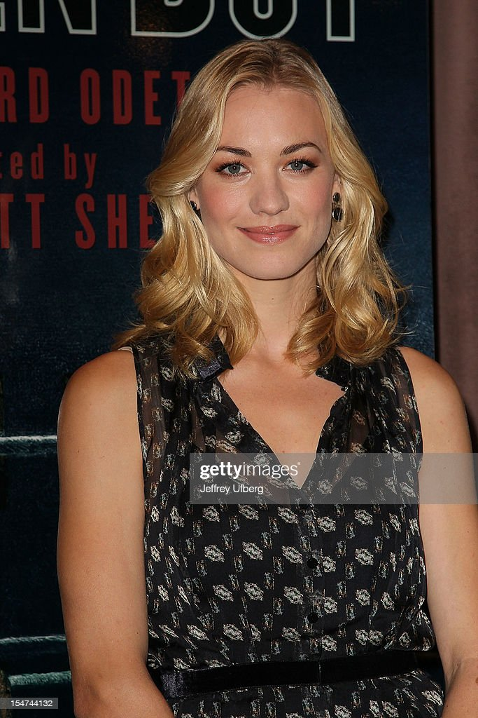 Actress Yvonne Strahovski attends the 'Golden Boy' Cast Meet & Greet at the Lincoln Center Theater on October 25, 2012 in New York City.