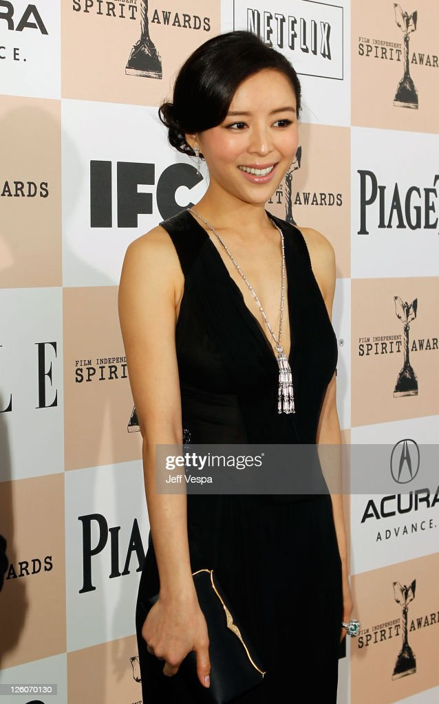 Actress <a gi-track='captionPersonalityLinkClicked' href=/galleries/search?phrase=Zhang+Jingchu&family=editorial&specificpeople=242993 ng-click='$event.stopPropagation()'>Zhang Jingchu</a> arrives at the 2011 Film Independent Spirit Awards at Santa Monica Beach on February 26, 2011 in Santa Monica, California.