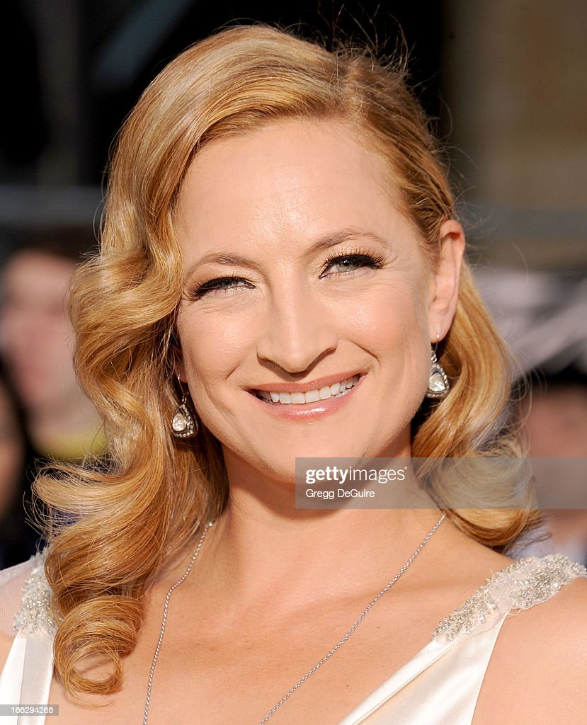 Actress Zoe Bell arrives at the Los Angeles premiere of 'Oblivion' at Dolby Theatre on April 10, 2013 in Hollywood, California.