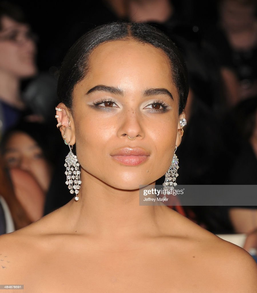 Actress <a gi-track='captionPersonalityLinkClicked' href=/galleries/search?phrase=Zoe+Kravitz&family=editorial&specificpeople=680250 ng-click='$event.stopPropagation()'>Zoe Kravitz</a> arrives at the Los Angeles premiere of 'Divergent' at Regency Bruin Theatre on March 18, 2014 in Los Angeles, California.