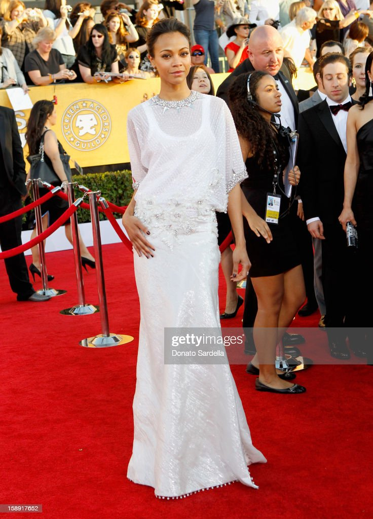 Actress Zoe Saldana arrives at the 18th Annual Screen Actors Guild Awards held at The Shrine Auditorium on January 29, 2012 in Los Angeles, California.