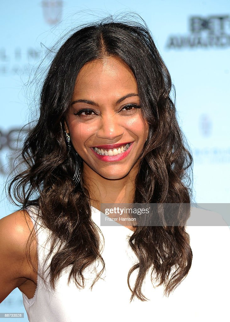 Actress <a gi-track='captionPersonalityLinkClicked' href=/galleries/search?phrase=Zoe+Saldana&family=editorial&specificpeople=542691 ng-click='$event.stopPropagation()'>Zoe Saldana</a> arrives at the 2009 BET Awards held at the Shrine Auditorium on June 28, 2009 in Los Angeles, California.