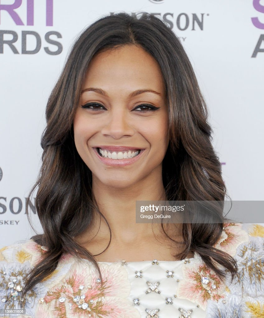 Actress <a gi-track='captionPersonalityLinkClicked' href=/galleries/search?phrase=Zoe+Saldana&family=editorial&specificpeople=542691 ng-click='$event.stopPropagation()'>Zoe Saldana</a> arrives at the 2012 Film Independent Spirit Awards at Santa Monica Pier on February 25, 2012 in Santa Monica, California.