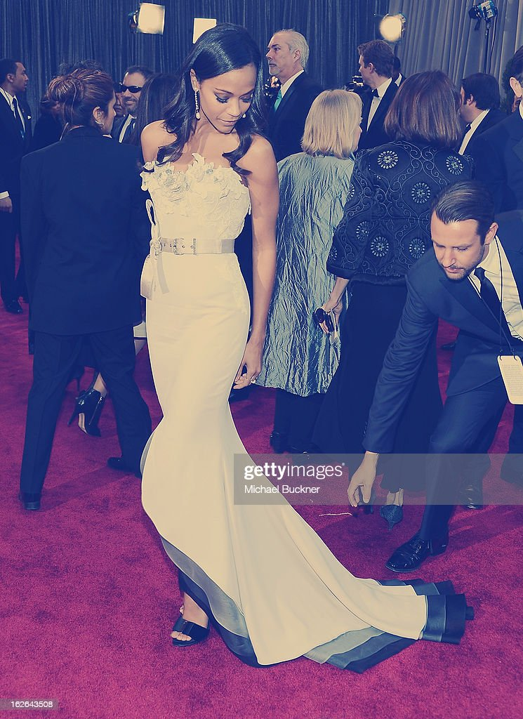Actress Zoe Saldana arrives at the 85th Annual Academy Awards at the Hollywood & Highland Center on February 24, 2013 in Hollywood, California.