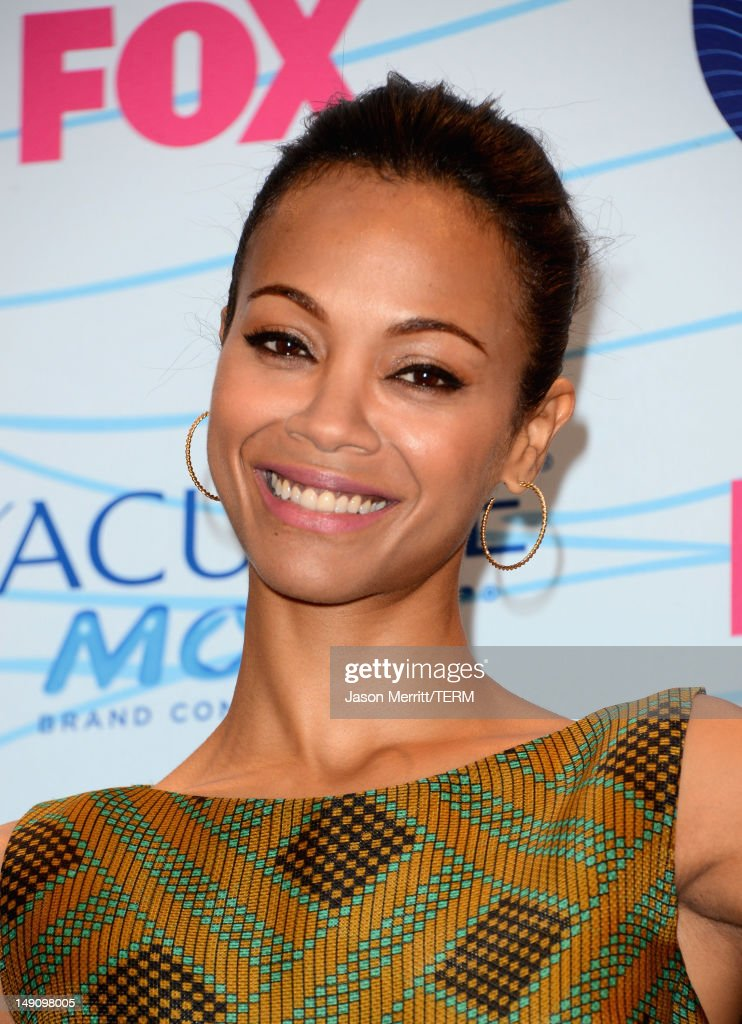 Actress <a gi-track='captionPersonalityLinkClicked' href=/galleries/search?phrase=Zoe+Saldana&family=editorial&specificpeople=542691 ng-click='$event.stopPropagation()'>Zoe Saldana</a> poses in the press room during the 2012 Teen Choice Awards at Gibson Amphitheatre on July 22, 2012 in Universal City, California.