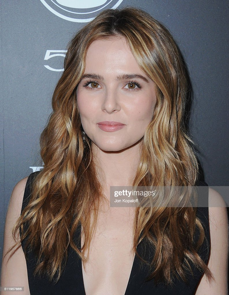 Actress Zoey Deutch arrives at Vanity Fair And FIAT Toast To 'Young Hollywood' at Chateau Marmont on February 23 2016 in Los Angeles California