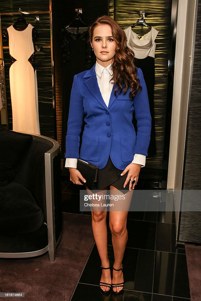 Actress <a gi-track='captionPersonalityLinkClicked' href=/galleries/search?phrase=Zoey+Deutch&family=editorial&specificpeople=4951672 ng-click='$event.stopPropagation()'>Zoey Deutch</a> attends ESCADA and W Magazine's celebration of Cool Earth with hosts Daniel Wingate, Suzanne Todd and Jennifer Todd at Escada Boutique on September 26, 2013 in Beverly Hills, California.