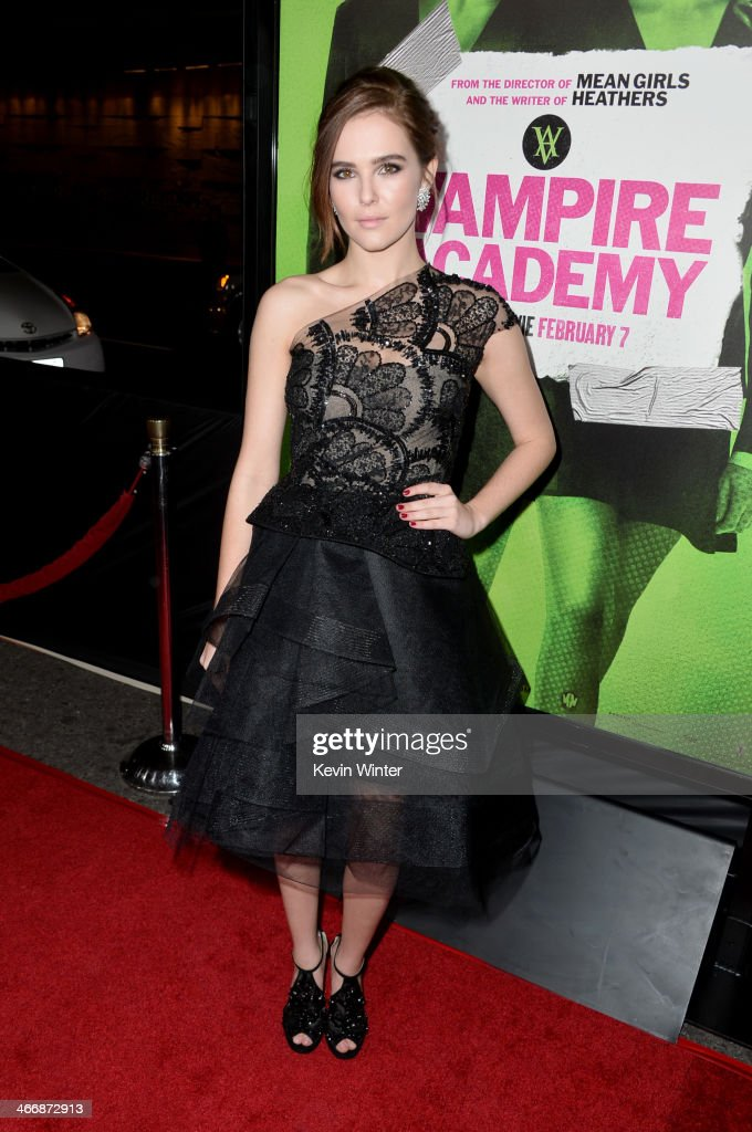 Actress <a gi-track='captionPersonalityLinkClicked' href=/galleries/search?phrase=Zoey+Deutch&family=editorial&specificpeople=4951672 ng-click='$event.stopPropagation()'>Zoey Deutch</a> attends the premiere of The Weinstein Company's 'Vampire Academy' at Regal Cinemas L.A. Live on February 4, 2014 in Los Angeles, California.