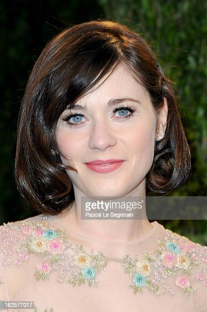 Actress Zooey Deschanel arrives at the 2013 Vanity Fair Oscar Party hosted by Graydon Carter at Sunset Tower on February 24 2013 in West Hollywood...