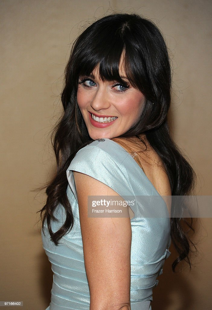 Actress Zooey Deschanel arrives at the 24th Annual American Society of Cinematographers 24th Annual Outstanding Achievement Awards held at the Hyatt Regency Century Plaza Hotel on February 27, 2010 in Los Angeles, California.