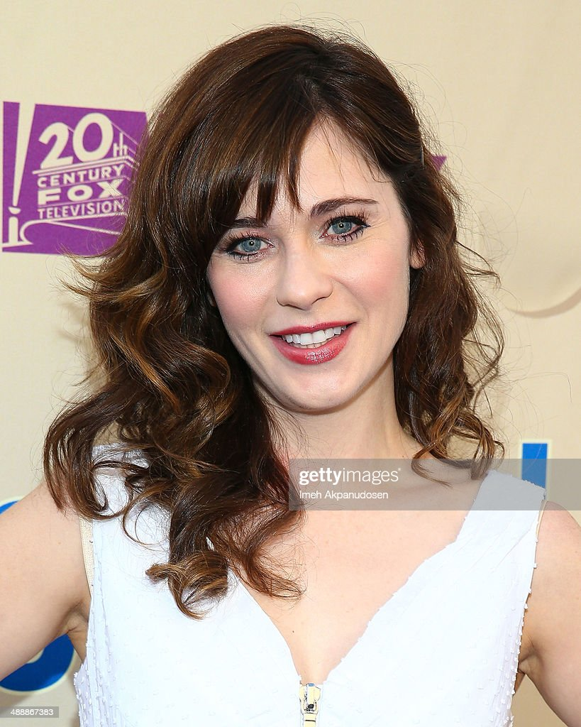 Actress <a gi-track='captionPersonalityLinkClicked' href=/galleries/search?phrase=Zooey+Deschanel&family=editorial&specificpeople=202927 ng-click='$event.stopPropagation()'>Zooey Deschanel</a> attends the 'New Girl' Season 3 Finale Screening and cast Q&A at Zanuck Theater at 20th Century Fox Lot on May 8, 2014 in Los Angeles, California.