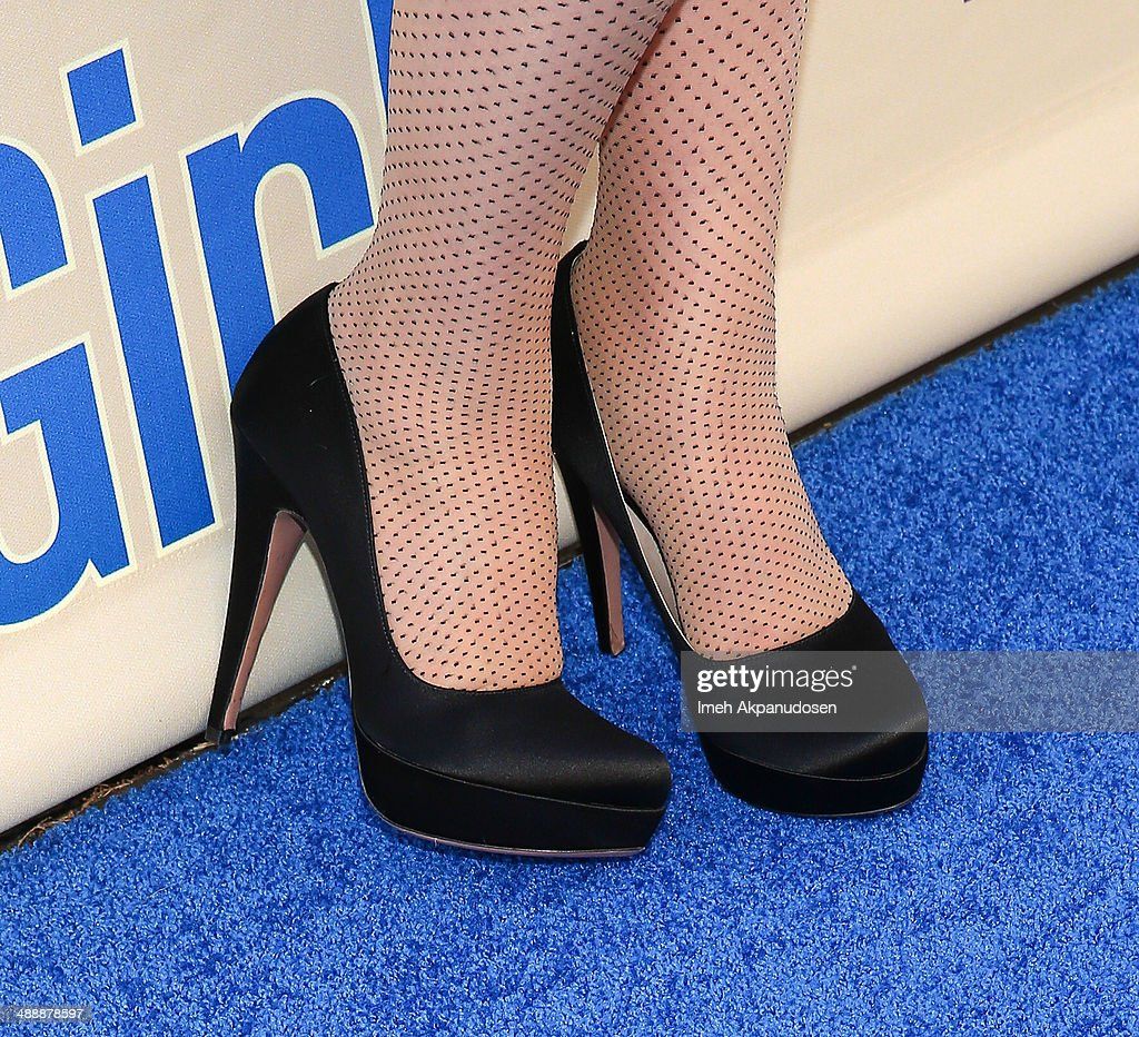 Actress <a gi-track='captionPersonalityLinkClicked' href=/galleries/search?phrase=Zooey+Deschanel&family=editorial&specificpeople=202927 ng-click='$event.stopPropagation()'>Zooey Deschanel</a> (shoe detail) attends the 'New Girl' Season 3 Finale Screening and cast Q&A at Zanuck Theater at 20th Century Fox Lot on May 8, 2014 in Los Angeles, California.