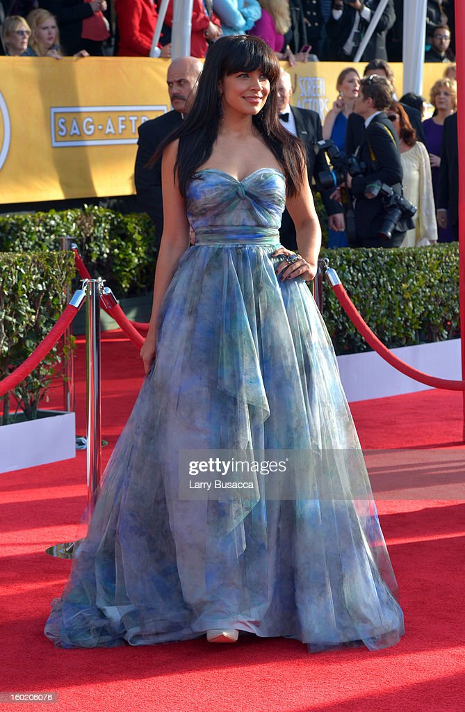 Actress Zuleikha Robinson attends the 19th Annual Screen Actors Guild Awards at The Shrine Auditorium on January 27, 2013 in Los Angeles, California. (Photo by Larry Busacca/WireImage) 23116_018_0210.jpg