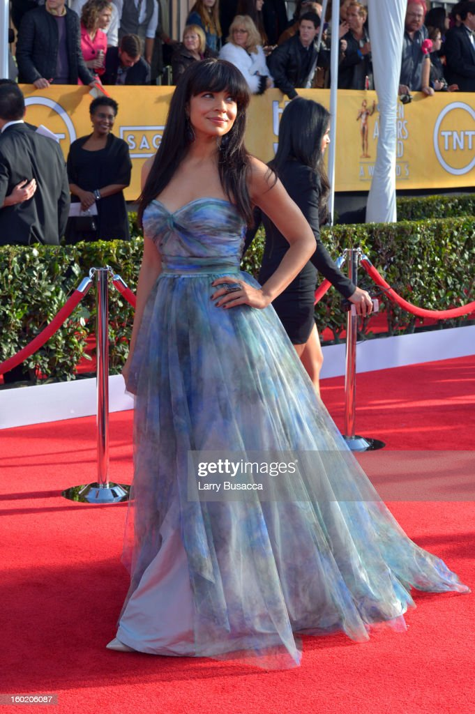 Actress Zuleikha Robinson attends the 19th Annual Screen Actors Guild Awards at The Shrine Auditorium on January 27, 2013 in Los Angeles, California. (Photo by Larry Busacca/WireImage) 23116_018_0212.jpg