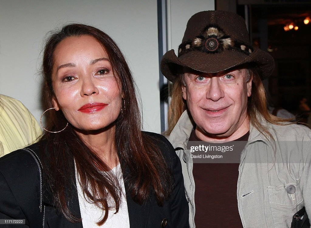 Hairstylist Jose : Actress/artist Barbara Carrera (L) and hairstylist Jose Eber attend ...