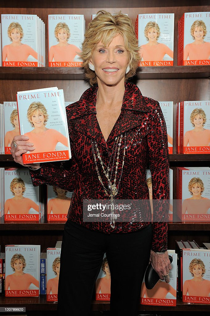 Actress/author <a gi-track='captionPersonalityLinkClicked' href=/galleries/search?phrase=Jane+Fonda&family=editorial&specificpeople=202174 ng-click='$event.stopPropagation()'>Jane Fonda</a> poses for a photo as she promotes'Prime Time: Making The Most Of All Of Your Life' at Barnes & Noble Union Square on August 10, 2011 in New York City.