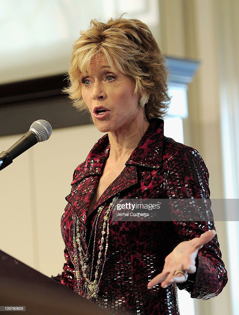 Actress/author <a gi-track='captionPersonalityLinkClicked' href=/galleries/search?phrase=Jane+Fonda&family=editorial&specificpeople=202174 ng-click='$event.stopPropagation()'>Jane Fonda</a> speaks as she promotes 'Prime Time: Making The Most Of All Of Your Life' at Barnes & Noble Union Square on August 10, 2011 in New York City.