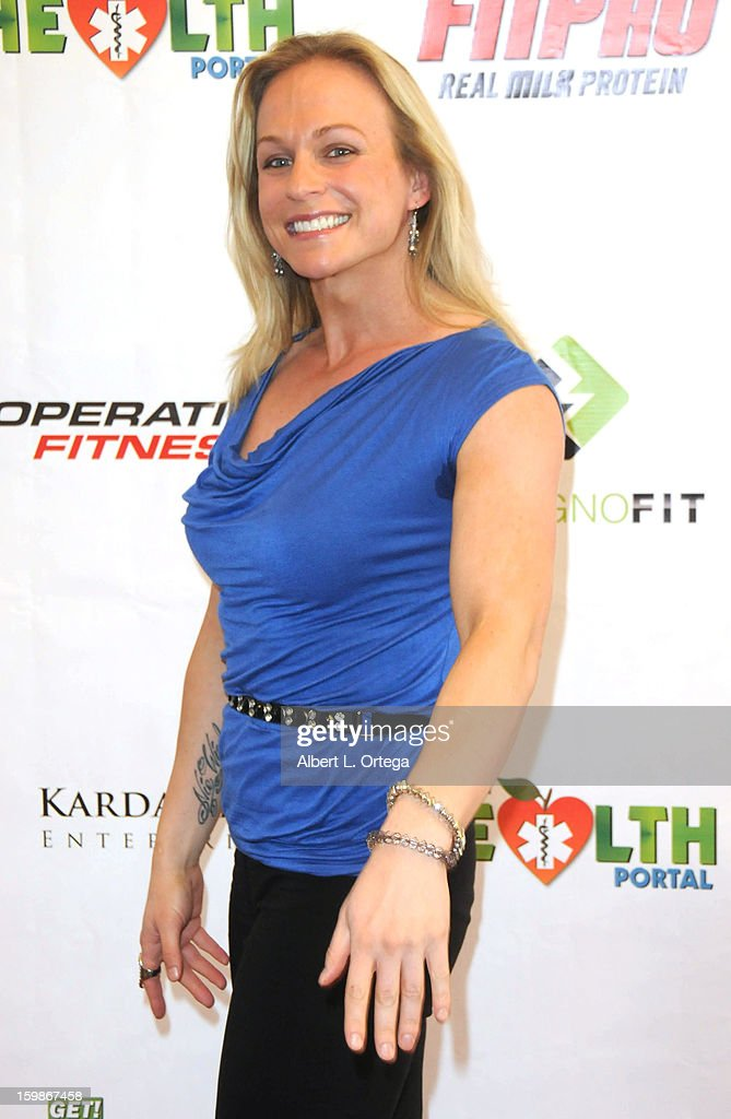 Actress/bodybuilder Dallas Malloy participates in the Red Carpet Health Expo held at The Vitamin Shoppe on January 12, 2013 in Los Angeles, California.