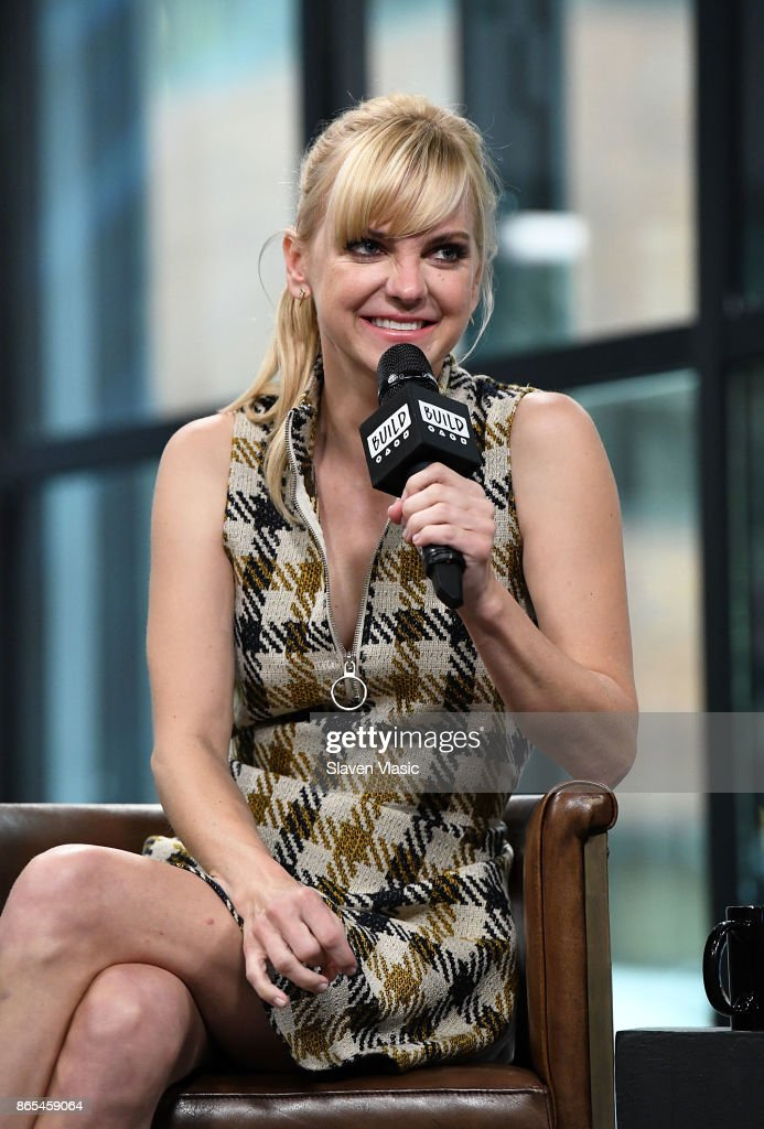 Actress/comedian Anna Faris visits Build to discuss her podcast 'Unqualified' at Build Studio on October 23, 2017 in New York City.