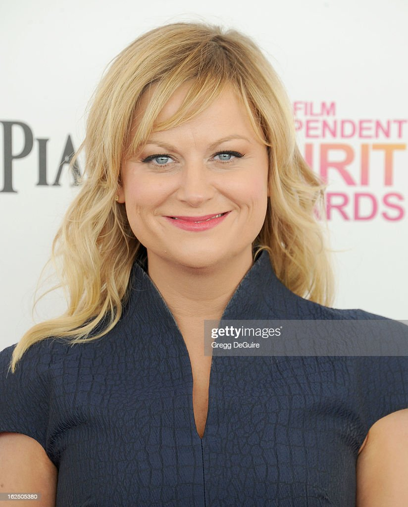 Actress/comedienne <a gi-track='captionPersonalityLinkClicked' href=/galleries/search?phrase=Amy+Poehler&family=editorial&specificpeople=228430 ng-click='$event.stopPropagation()'>Amy Poehler</a> arrives at the 2013 Film Independent Spirit Awards at Santa Monica Beach on February 23, 2013 in Santa Monica, California.