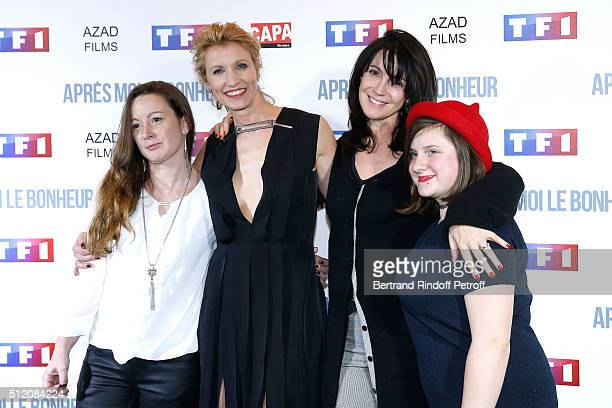 Actresses Alexandra Lamy Zabou Breitman and Team of the movie attend the 'Apres Moi Le Bonheur' Paris Photocall at Cinema Gaumont Marignan on...