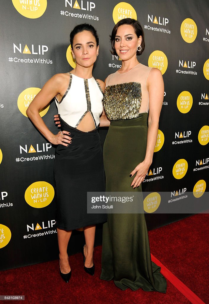 Actresses <a gi-track='captionPersonalityLinkClicked' href=/galleries/search?phrase=Alice+Braga&family=editorial&specificpeople=211115 ng-click='$event.stopPropagation()'>Alice Braga</a> and <a gi-track='captionPersonalityLinkClicked' href=/galleries/search?phrase=Aubrey+Plaza&family=editorial&specificpeople=5299268 ng-click='$event.stopPropagation()'>Aubrey Plaza</a> attend the NALIP 2016 Latino Media Awards at Dolby Theatre on June 25, 2016 in Hollywood, California.