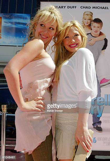 Actresses and sisters Haylie Duff and Hilary Duff arrive at the premiere of Warner Bros 'A Cinderella Story' on July 10 2004 at the Chinese Theatre...