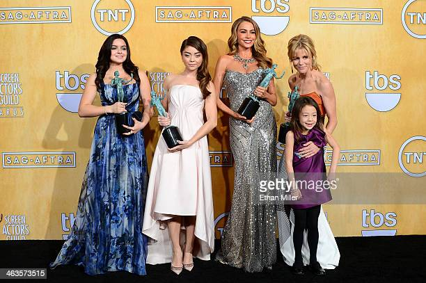 Actresses Ariel Winter Sarah Hyland Sofia Vergara Julie Bowen and Aubrey AndersonEmmons winners of the Outstanding Performance by an Ensemble in a...