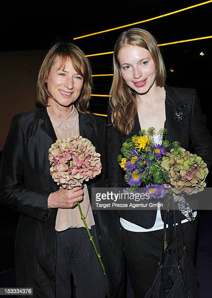 Actresses Corinna Harfouch and Anna Brueggemann attend the premiere of the movie '3 Zimmer Kueche Bad' at 'Kulturbrauerei' on October 3 2012 in...