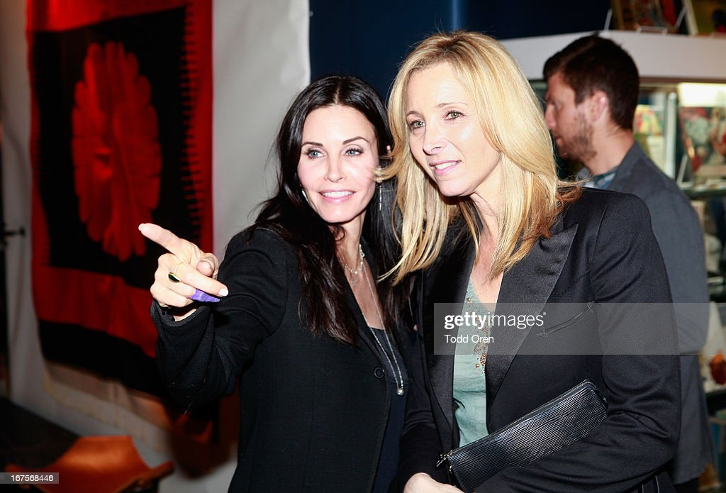 Actresses <a gi-track='captionPersonalityLinkClicked' href=/galleries/search?phrase=Courteney+Cox&family=editorial&specificpeople=203101 ng-click='$event.stopPropagation()'>Courteney Cox</a> (L) and <a gi-track='captionPersonalityLinkClicked' href=/galleries/search?phrase=Lisa+Kudrow&family=editorial&specificpeople=202079 ng-click='$event.stopPropagation()'>Lisa Kudrow</a> attend P.S. ARTS Presents: LA Modernism Show Opening Night at The Barker Hanger on April 25, 2013 in Santa Monica, California.