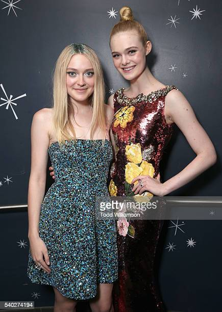 Actresses Dakota Fanning and Elle Fanning attend 'The Neon Demon' Los Angeles Premiere at ArcLight Cinemas Cinerama Dome on June 14 2016 in Hollywood...