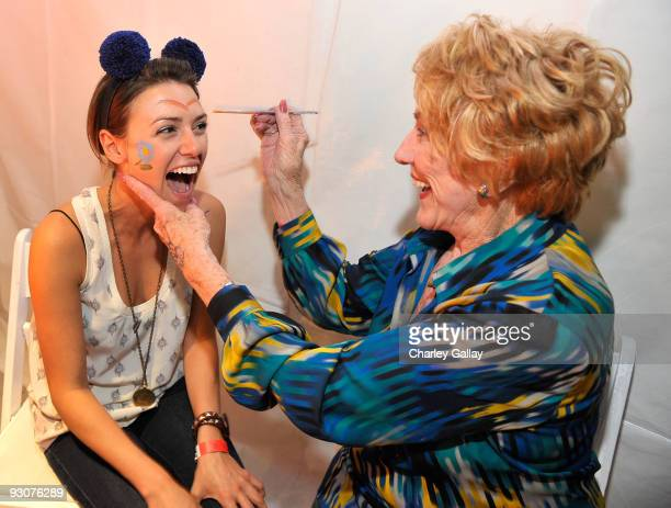 Actresses Elizabeth Hendrickson and Jeanne Cooper attend PS Arts Express Yourself 2009 at Barker Hangar at the Santa Monica Airport on November 15...