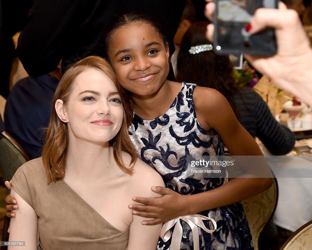 actresses-emma-stone-and-saniyya-sidney-attend-the-17th-annual-afi-picture-id631101734