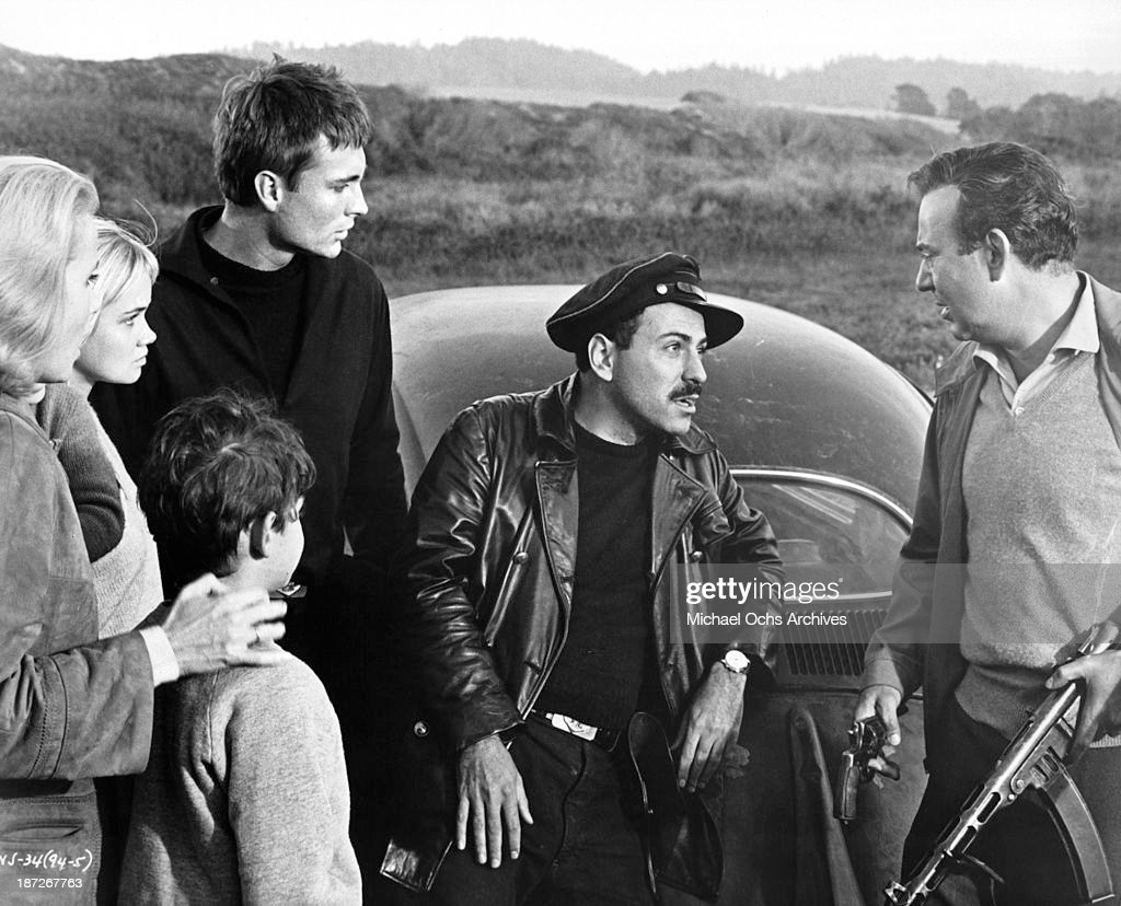 Actresses Eva Marie Saint Andrea Dromm actors Sheldon Collins John Phillip Law Alan Arkin and Carl Reiner on set of the movie 'The Russians Are...