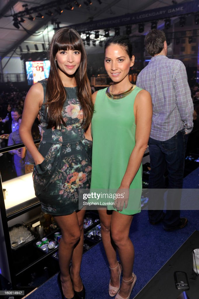 Actresses <a gi-track='captionPersonalityLinkClicked' href=/galleries/search?phrase=Hannah+Simone&family=editorial&specificpeople=3291351 ng-click='$event.stopPropagation()'>Hannah Simone</a> (L) and <a gi-track='captionPersonalityLinkClicked' href=/galleries/search?phrase=Olivia+Munn&family=editorial&specificpeople=598969 ng-click='$event.stopPropagation()'>Olivia Munn</a> attend the Rolling Stone LIVE party held at the Bud Light Hotel on February 1, 2013 in New Orleans, Louisiana.
