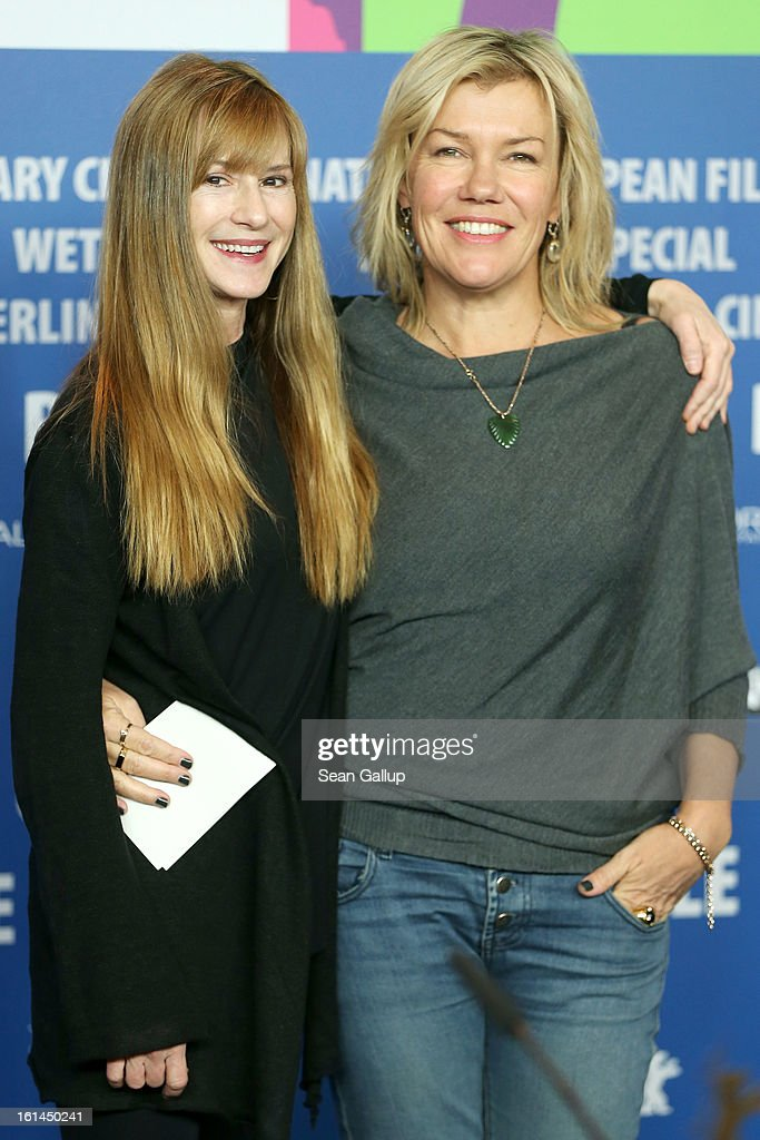 Actresses <a gi-track='captionPersonalityLinkClicked' href=/galleries/search?phrase=Holly+Hunter&family=editorial&specificpeople=201880 ng-click='$event.stopPropagation()'>Holly Hunter</a> and <a gi-track='captionPersonalityLinkClicked' href=/galleries/search?phrase=Robyn+Malcolm&family=editorial&specificpeople=2433526 ng-click='$event.stopPropagation()'>Robyn Malcolm</a> attend the 'Top Of The Lake' Press Conference during the 63rd Berlinale International Film Festival at the Grand Hyatt Hotel on February 11, 2013 in Berlin, Germany.
