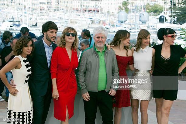 Actresses Inma Cuesta Daniel Grao director Pedro Almodovar Emma Suarez Rossy de Palma Adriana Ugarte and Michelle Jenner attend the 'Julieta'...