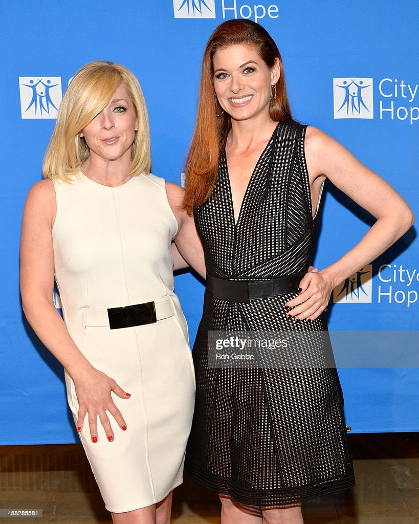Actresses <a gi-track='captionPersonalityLinkClicked' href=/galleries/search?phrase=Jane+Krakowski&family=editorial&specificpeople=203166 ng-click='$event.stopPropagation()'>Jane Krakowski</a> (L) and <a gi-track='captionPersonalityLinkClicked' href=/galleries/search?phrase=Debra+Messing&family=editorial&specificpeople=202114 ng-click='$event.stopPropagation()'>Debra Messing</a> attend 2014 'Spirit Of Life' Awards Luncheon at The Plaza Hotel on May 5, 2014 in New York City.