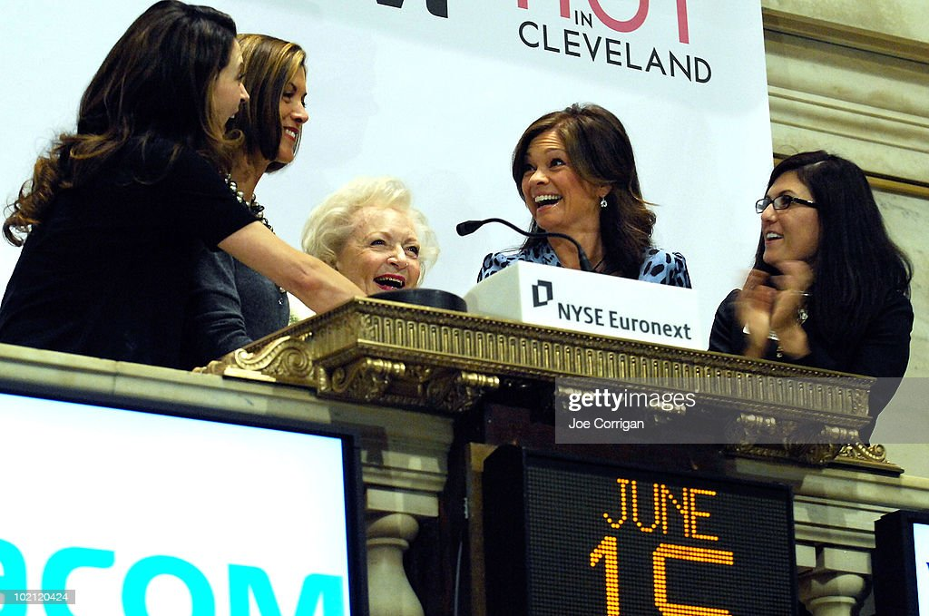 Actresses Jane Leeves,Wendie Malick, Betty White and Valerie Bertinelli ring the opening bell at the New York Stock Exchange on June 15, 2010 in New York City.
