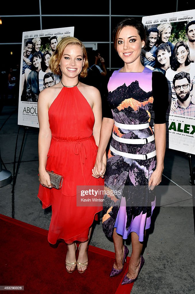 Actresses Jane Levy (L) and Aubrey Plaza arrive at the premiere of 'About Alex' at the Arclight Theatre on August 6, 2014 in Los Angeles, California.