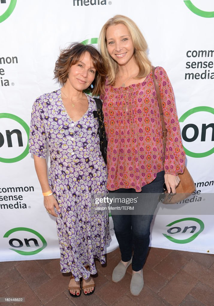 Actresses <a gi-track='captionPersonalityLinkClicked' href=/galleries/search?phrase=Jennifer+Grey&family=editorial&specificpeople=220265 ng-click='$event.stopPropagation()'>Jennifer Grey</a> and <a gi-track='captionPersonalityLinkClicked' href=/galleries/search?phrase=Lisa+Kudrow&family=editorial&specificpeople=202079 ng-click='$event.stopPropagation()'>Lisa Kudrow</a> attend the 2nd Annual GameOn! fundraiser hosted by Common Sense Media at Sony Pictures Studios on September 29, 2013 in Culver City, California.