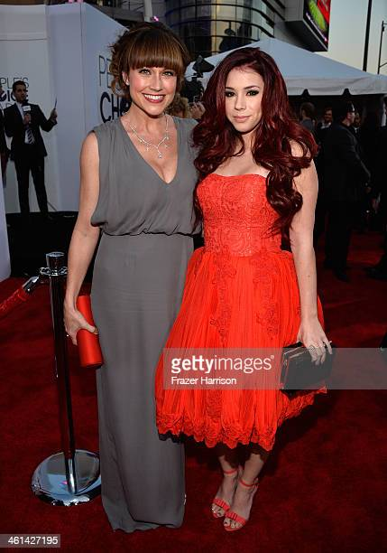 Actresses Jillian Rose Reed and Nikki DeLoach attend The 40th Annual People's Choice Awards at Nokia Theatre LA Live on January 8 2014 in Los Angeles...