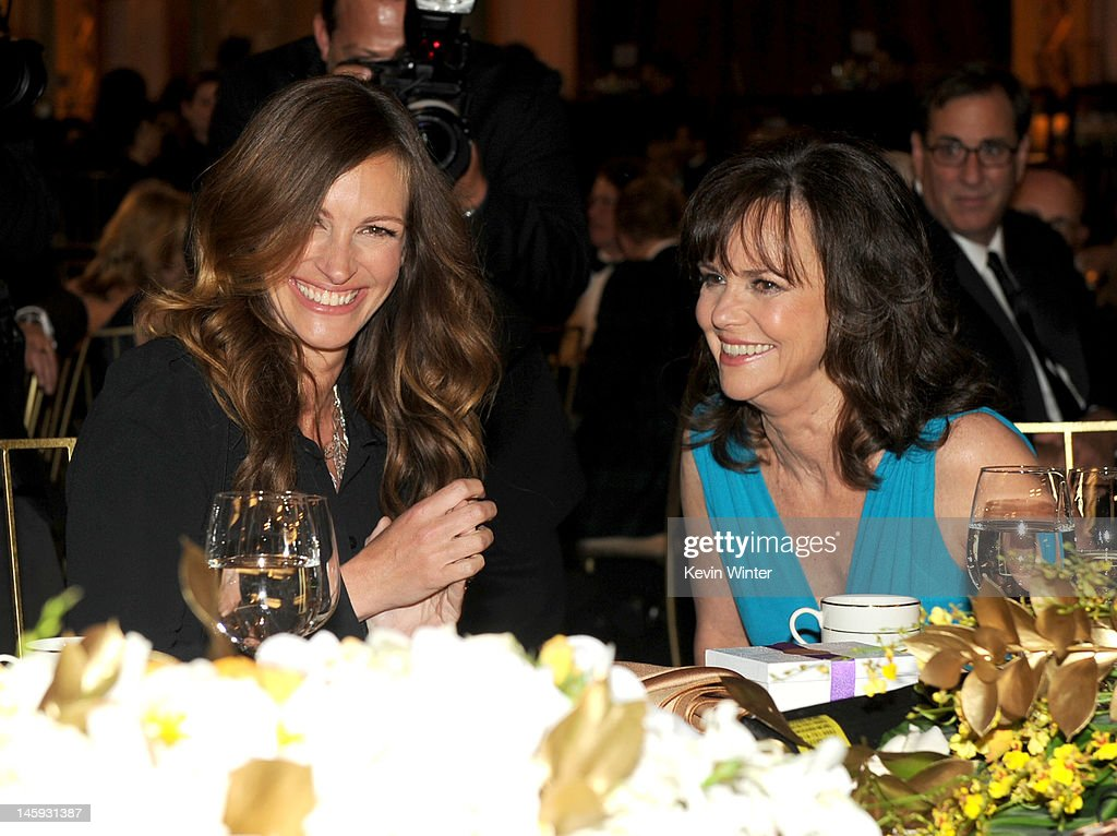 Actresses <a gi-track='captionPersonalityLinkClicked' href=/galleries/search?phrase=Julia+Roberts&family=editorial&specificpeople=202605 ng-click='$event.stopPropagation()'>Julia Roberts</a> (L) and <a gi-track='captionPersonalityLinkClicked' href=/galleries/search?phrase=Sally+Field&family=editorial&specificpeople=206350 ng-click='$event.stopPropagation()'>Sally Field</a> attend the 40th AFI Life Achievement Award honoring Shirley MacLaine held at Sony Pictures Studios on June 7, 2012 in Culver City, California. The AFI Life Achievement Award tribute to Shirley MacLaine will premiere on TV Land on Saturday, June 24 at 9PM