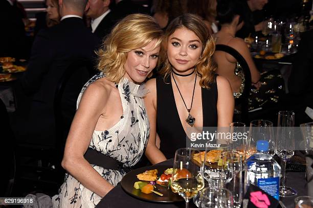 Actresses Julie Bowen and Sarah Hyland attend The 22nd Annual Critics' Choice Awards at Barker Hangar on December 11 2016 in Santa Monica California