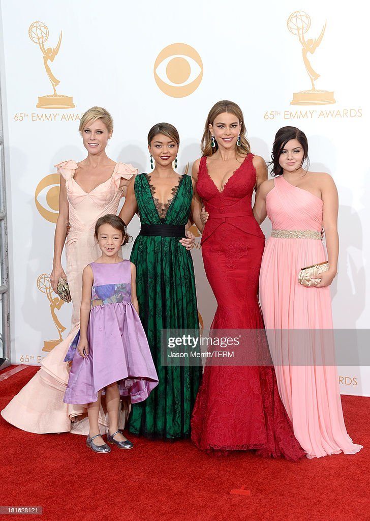 Actresses <a gi-track='captionPersonalityLinkClicked' href=/galleries/search?phrase=Julie+Bowen&family=editorial&specificpeople=244057 ng-click='$event.stopPropagation()'>Julie Bowen</a>, <a gi-track='captionPersonalityLinkClicked' href=/galleries/search?phrase=Aubrey+Anderson-Emmons&family=editorial&specificpeople=8203980 ng-click='$event.stopPropagation()'>Aubrey Anderson-Emmons</a>, <a gi-track='captionPersonalityLinkClicked' href=/galleries/search?phrase=Sarah+Hyland&family=editorial&specificpeople=3989646 ng-click='$event.stopPropagation()'>Sarah Hyland</a>, <a gi-track='captionPersonalityLinkClicked' href=/galleries/search?phrase=Sofia+Vergara&family=editorial&specificpeople=214702 ng-click='$event.stopPropagation()'>Sofia Vergara</a> and <a gi-track='captionPersonalityLinkClicked' href=/galleries/search?phrase=Ariel+Winter&family=editorial&specificpeople=715954 ng-click='$event.stopPropagation()'>Ariel Winter</a>, winners of Outstanding Comedy Series for 'Modern Family,' pose in the press room during the 65th Annual Primetime Emmy Awards held at Nokia Theatre L.A. Live on September 22, 2013 in Los Angeles, California.