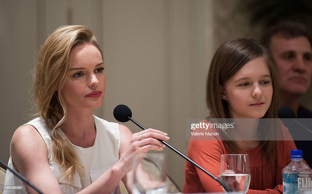 Actresses <a gi-track='captionPersonalityLinkClicked' href=/galleries/search?phrase=Kate+Bosworth&family=editorial&specificpeople=201616 ng-click='$event.stopPropagation()'>Kate Bosworth</a> (L) and Izabela Vidovic attend the 'Homefront' Los Angeles press conference and photo call at Four Seasons Hotel Los Angeles at Beverly Hills on November 18, 2013 in Beverly Hills, California.