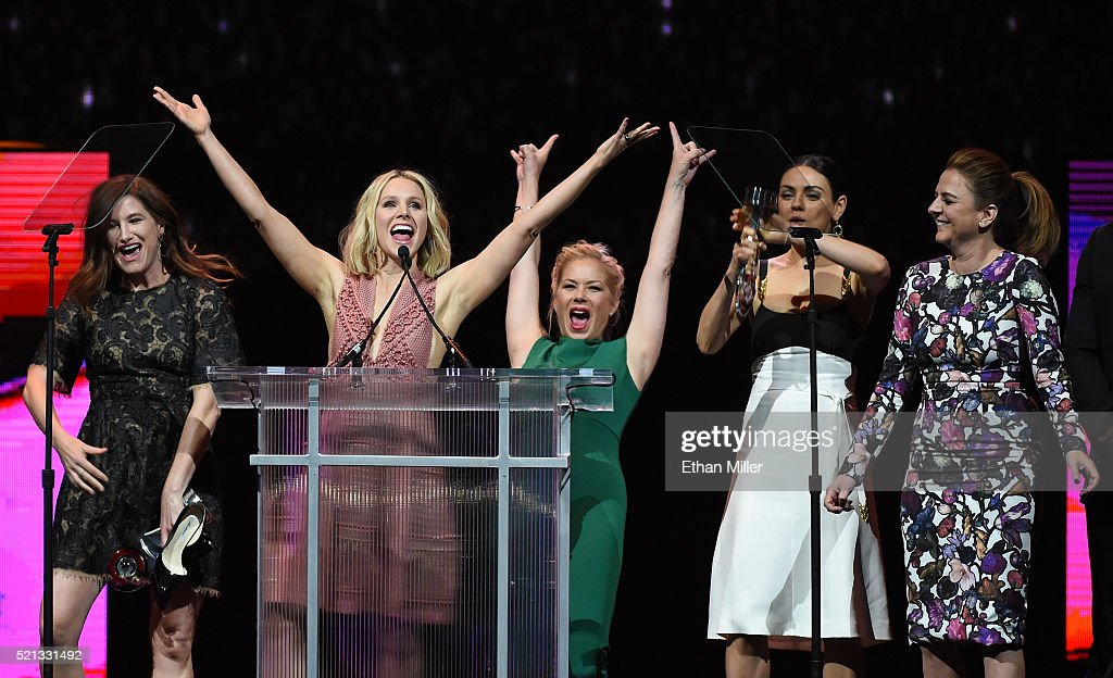 Actresses Kathryn Hahn Kristen Bell Christina Applegate Mila Kunis and actress/screenwriter Annie Mumolo accept the Female Stars of the Year Award...